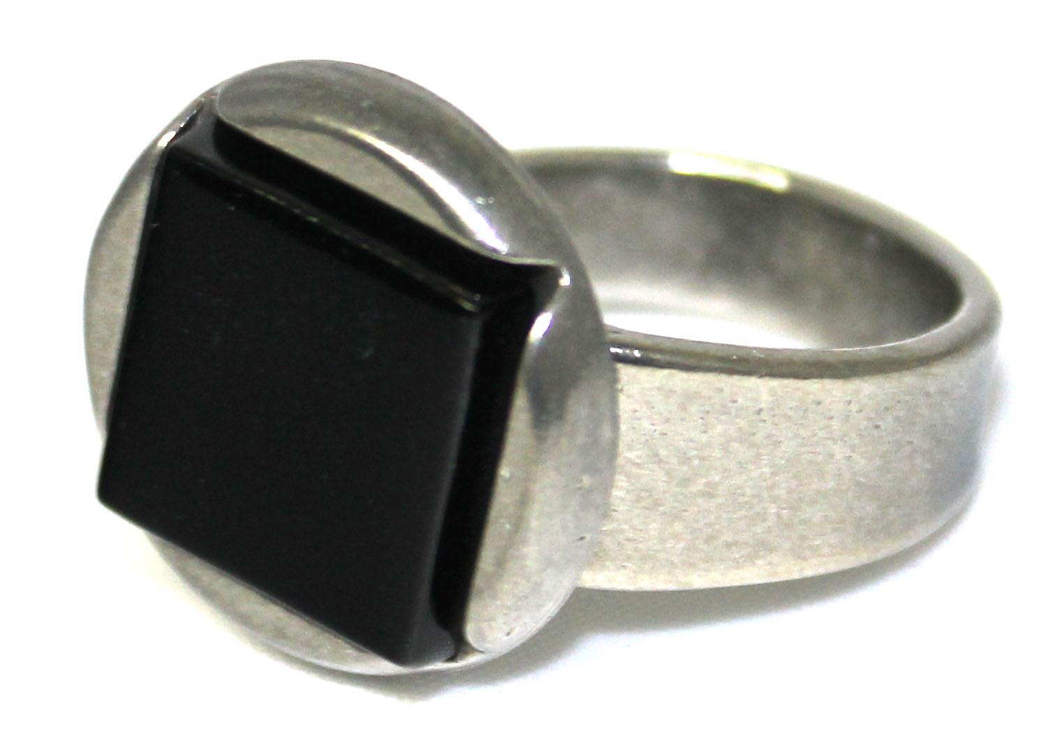 Noir-810R